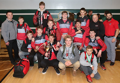 Wadsworth repeated as champions at this year's Medina Invitational Tournament. AARON JOSEFCZYK / GAZETTE