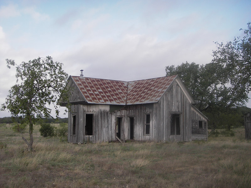 Some house I saw around mile 25, I had to stop and take a picture.  I carried the Optio WP the whole 100 miles for this one shot.  There were plenty of cattle guards along the first 40 miles and a couple at the end as well.