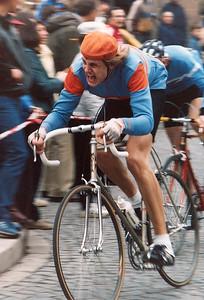 Norbert Gömmel (RC Herpersdorf) im Bergaufsprint beim Frühjahrsstraßenpreis des RSC Fürth 1984.