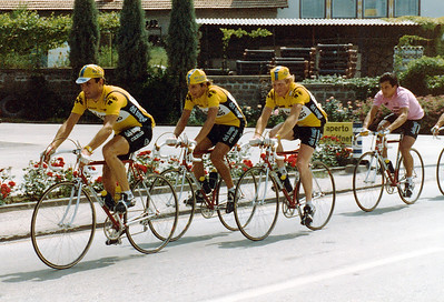 Giro 83 - Del Tongo Colnago Team making the pace, Rudy Pevenage in front of Guiseppe Saronni in the pink leader jersey, winner of Giro 1983.