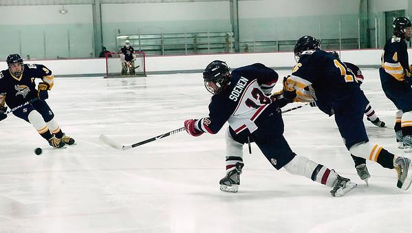 Record-Eagle/Douglas Tesner<br /> <br /> HS Hockey Bay Reps vs Cadillac