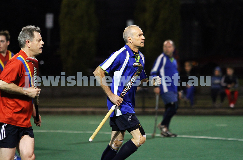 10-9-12. Maccabi veterens hockey defeat Hawthorn in the grand final 2-1. Norm Same. Photo: Peter Haskin