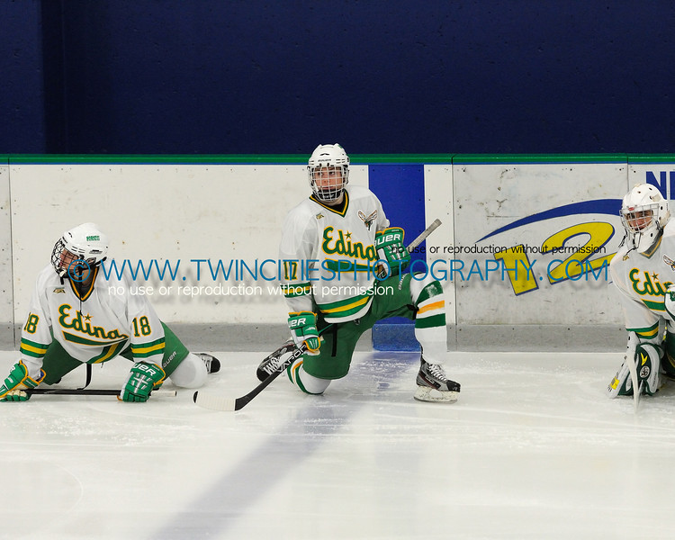 """<font size=""""4"""" face=""""Verdana"""" font color=""""white"""">#17 TIM SPICOLA</font><br><p> <font size=""""2"""" face=""""Verdana"""" font color=""""turquoise"""">Edina Hornets vs. Holy Family Catholic Varsity Hockey</font><br><font size=""""2"""" face=""""Verdana"""" font color=""""white"""">Order a photo print of any photo by clicking the 'Buy' link above.</font>  <font size = """"2"""" font color = """"gray""""><br> TIP: Click the photo above to display a larger size</font>"""