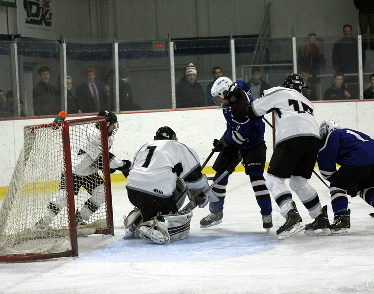 3rd period action 2  goal attempt