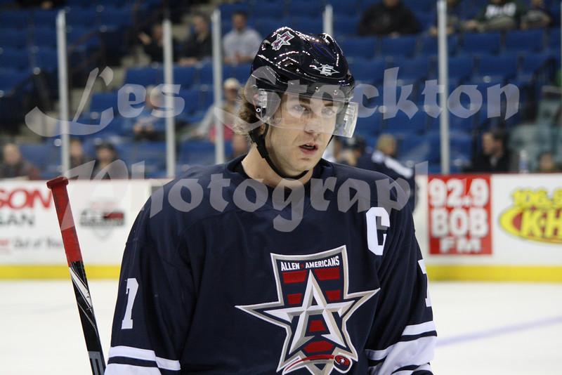 """<a href=""""http://www.hockeydb.com/ihdb/stats/pdisplay.php?pid=55363"""" target = """"stats"""">Jarret  Lukin</a> (#7)"""