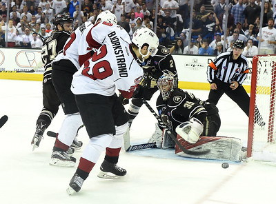 Monsters close out Bears to win Calder Cup