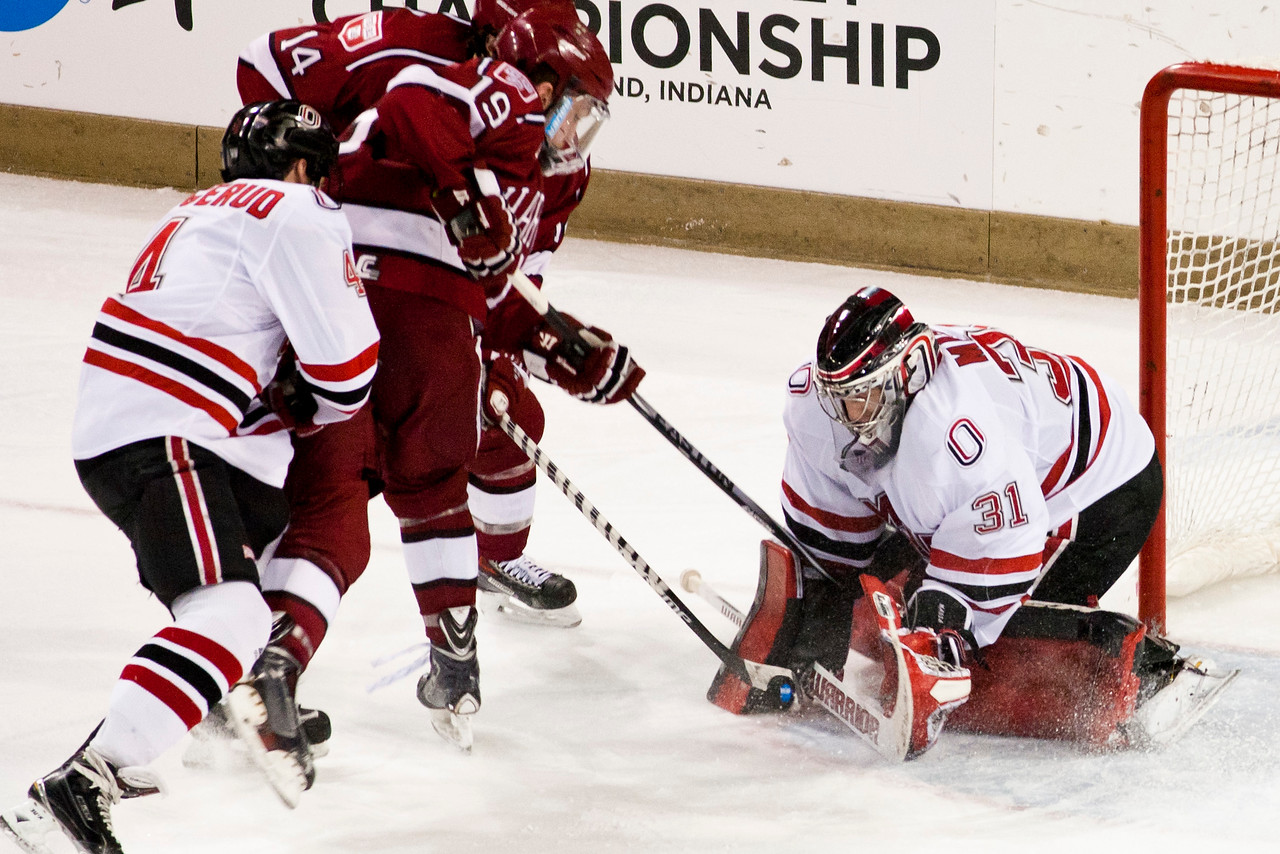 Ryan Massa  NCAA Midwest Hockey Regional vs. Harvard
