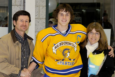 10 01 31 ME v Seton Sr Night-008