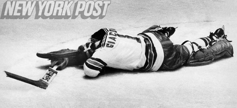 New York Rangers Goalie Ed Giacomin smothers the puck. 1972