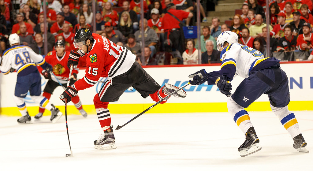 IMAGE: http://www.reicherstudios.com/Sports/HockeyPhotos/Chicago-Blackhawks-vs-St-Louis/i-bNvph95/0/XL/CC6Q4293_5530-XL.jpg