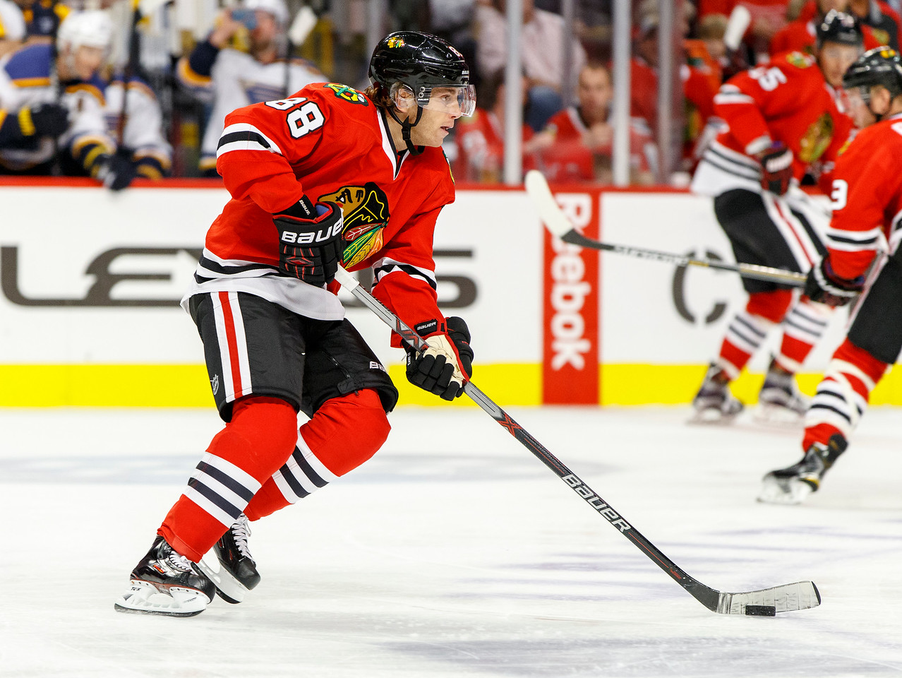 IMAGE: http://www.reicherstudios.com/Sports/HockeyPhotos/Chicago-Blackhawks-vs-St-Louis/i-dLvJcpr/0/X2/CC6Q4451_4598-X2.jpg