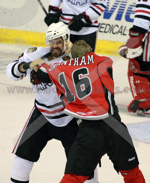 Icehogs Fight - Flinn vs Grantham