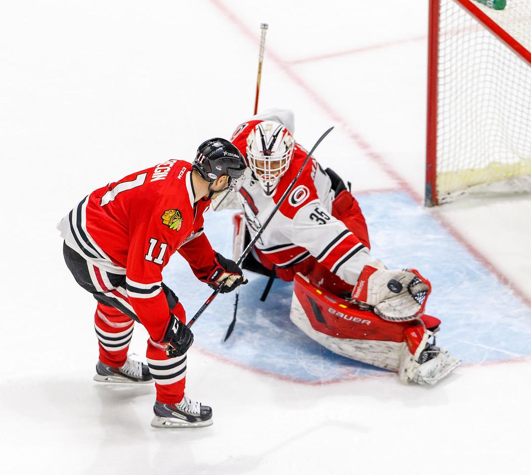 IMAGE: http://www.reicherstudios.com/Sports/HockeyPhotos/IceHogs-20142015/IceHogs-vs-Checkers-011315/i-ncswxVR/0/X2/CC6Q1069-X2.jpg