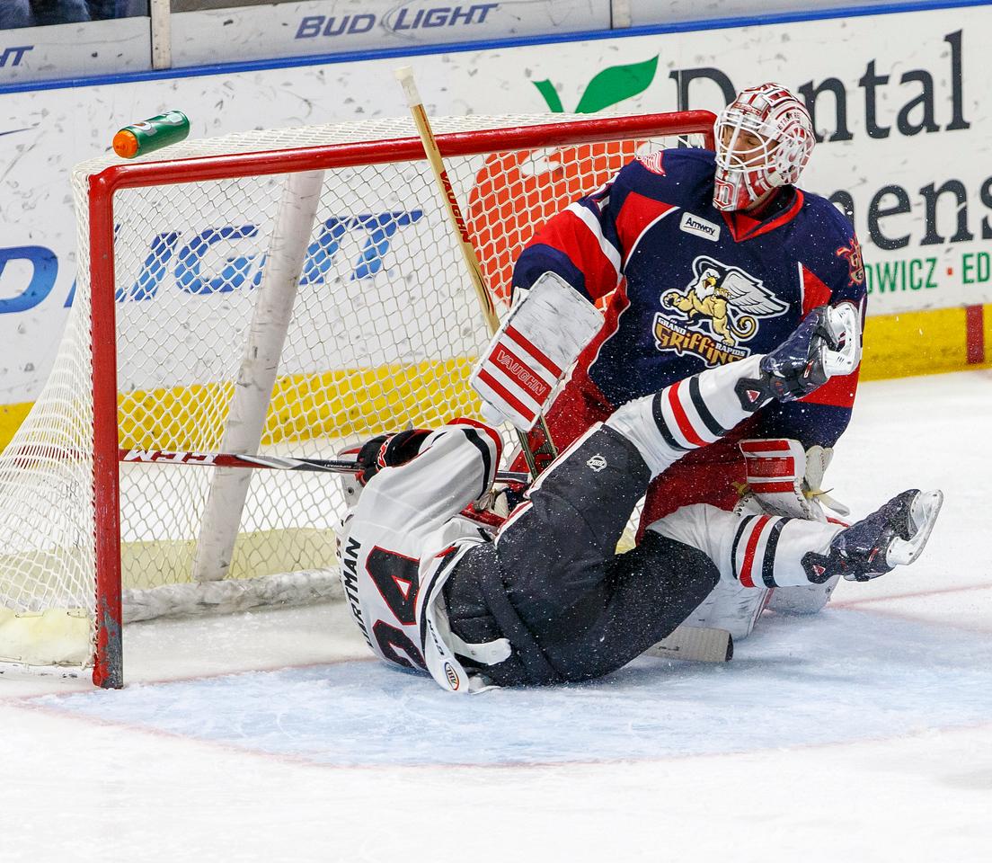 IMAGE: http://www.reicherstudios.com/Sports/HockeyPhotos/IceHogs-20142015/IceHogs-vs-Griffins-120614/i-FStrvnb/0/X2/CC6Q8338-X2.jpg