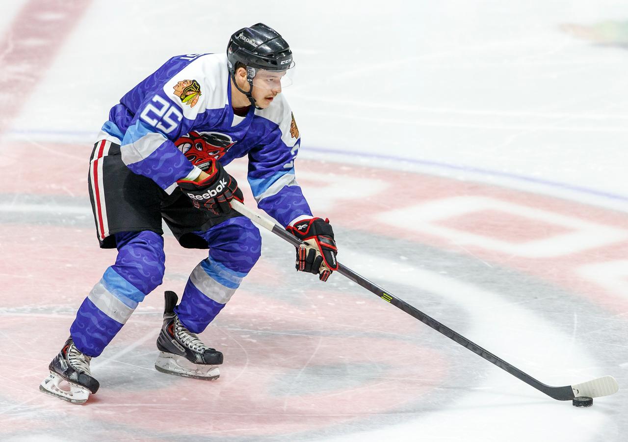 IMAGE: http://www.reicherstudios.com/Sports/HockeyPhotos/IceHogs-20142015/IceHogs-vs-Wild-11-26-14/i-t9SNQwR/0/X2/CC6Q7188-X2.jpg