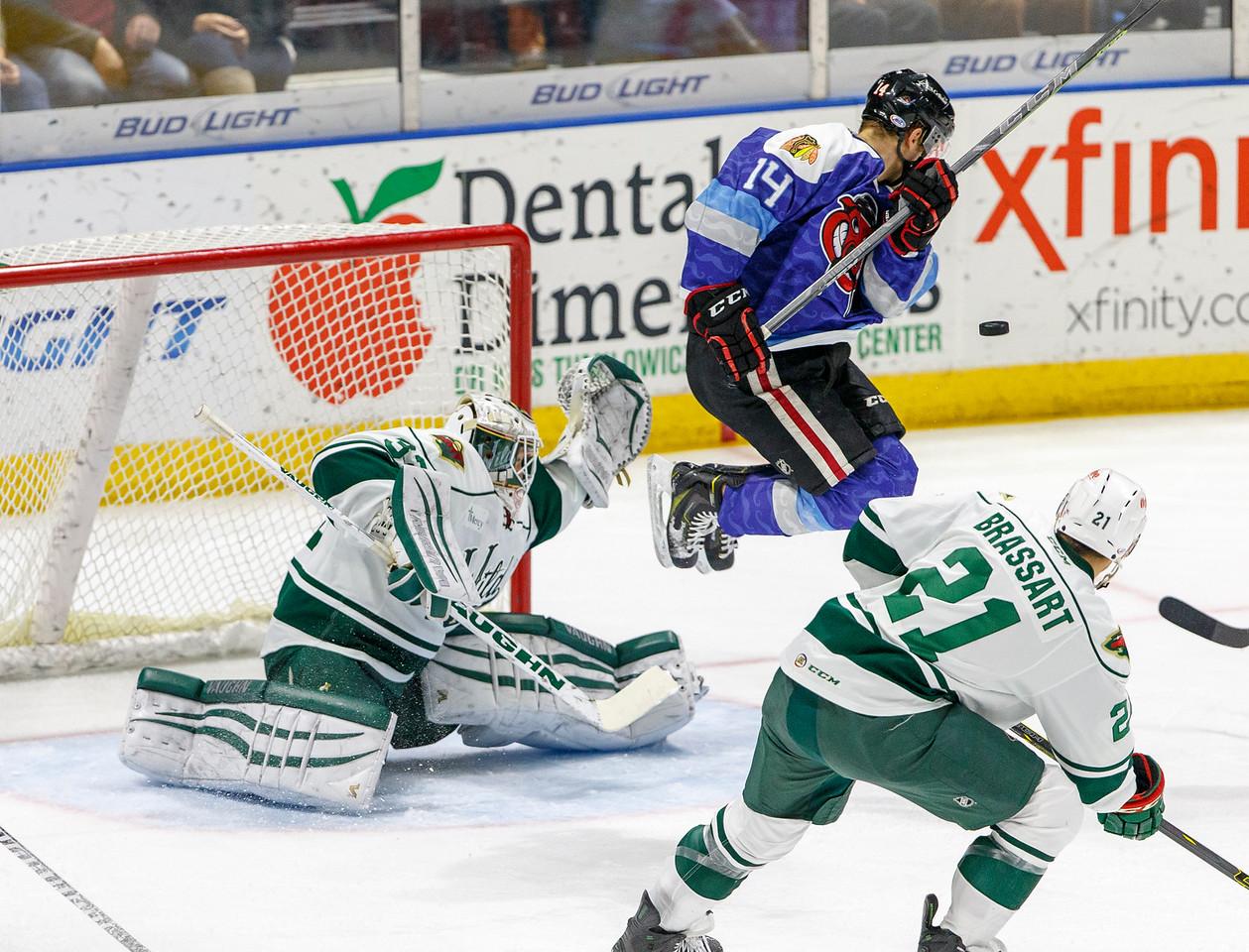 IMAGE: http://www.reicherstudios.com/Sports/HockeyPhotos/IceHogs-20142015/IceHogs-vs-Wild-11-26-14/i-wJW5r3r/0/X2/CC6Q7388-X2.jpg