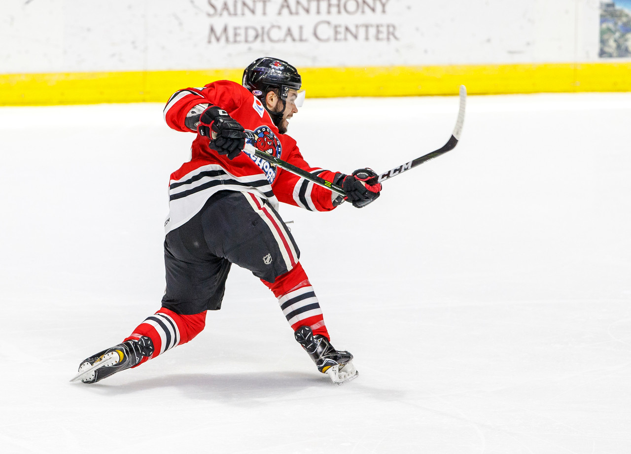 IMAGE: https://photos.smugmug.com/Sports/HockeyPhotos/IceHogs-20162017/03-04-17-IceHogs-vs-Wild/i-Dn9vcQG/0/X2/CC6Q0564_2233-X2.jpg