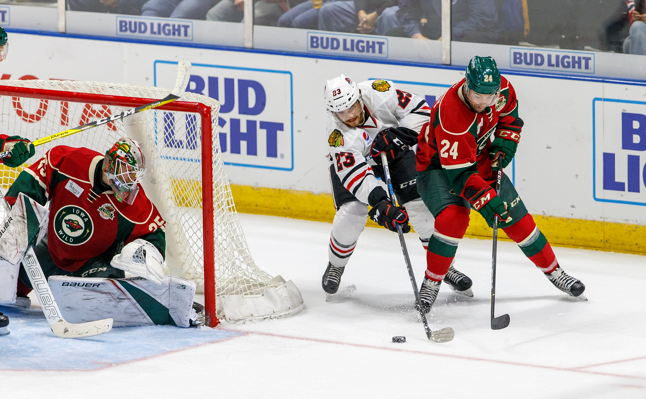 IMAGE: https://photos.smugmug.com/Sports/HockeyPhotos/IceHogs-2017-2018/10-14-17-IceHogs-vs-Wild/i-znDCP2V/0/0b8b2263/X2/CC6Q3780_0388-X2.jpg