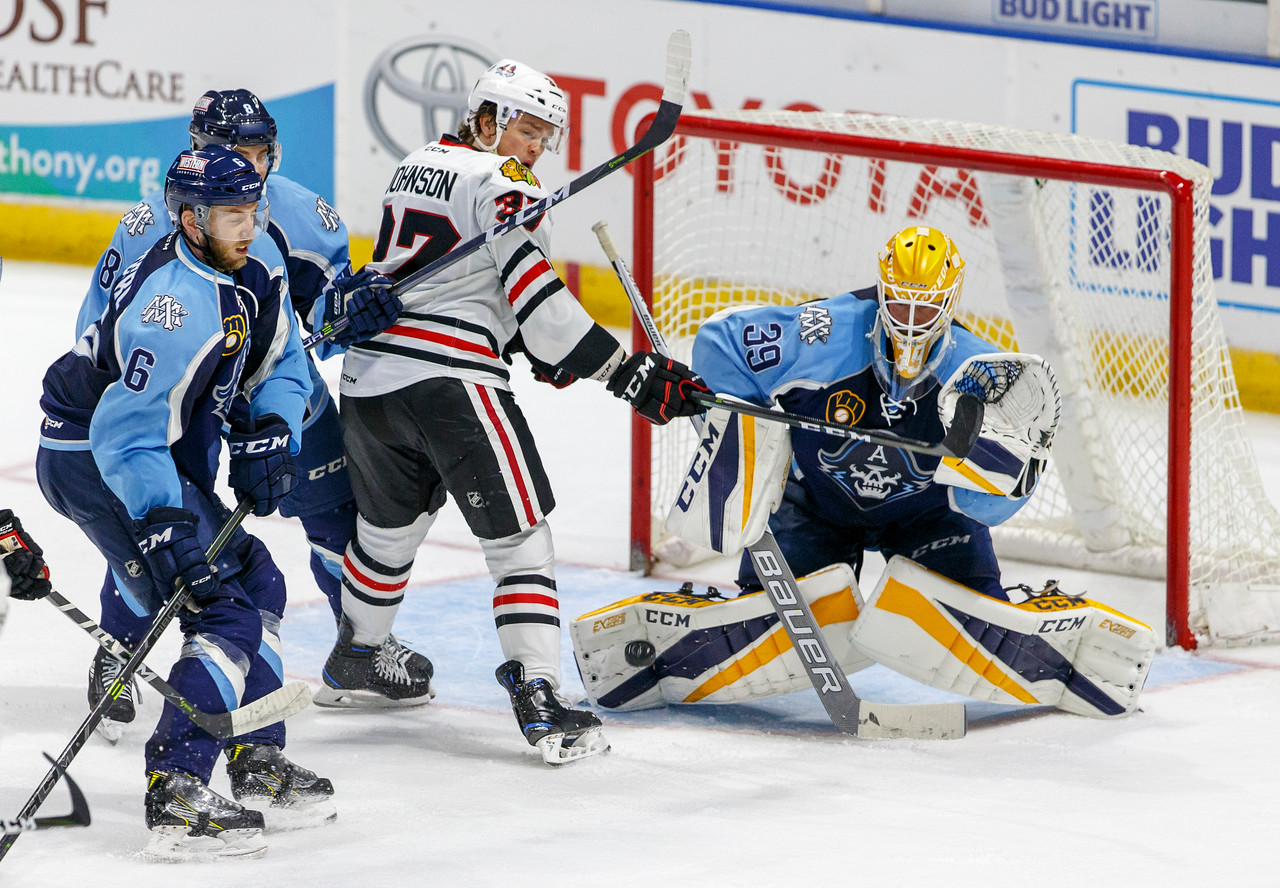 IMAGE: https://photos.smugmug.com/Sports/HockeyPhotos/IceHogs-2017-2018/10-15-17-IceHogs-vs-Admirals/i-MDqjzxq/0/10f37291/X2/CC6Q4155_0749-X2.jpg