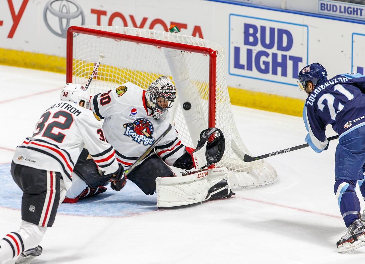 IMAGE: https://photos.smugmug.com/Sports/HockeyPhotos/IceHogs-2017-2018/10-15-17-IceHogs-vs-Admirals/i-kFrpTh7/0/7e8fbcdc/X2/CC6Q3998_0601-X2.jpg