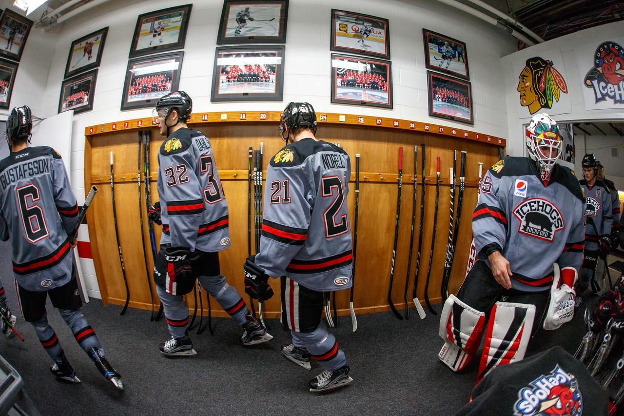IMAGE: https://photos.smugmug.com/Sports/HockeyPhotos/IceHogs-2017-2018/10-27-17-IceHogs-vs-Admirals/i-RLJhW5S/0/fc11f71e/X2/CC6Q5394_1916-X2.jpg