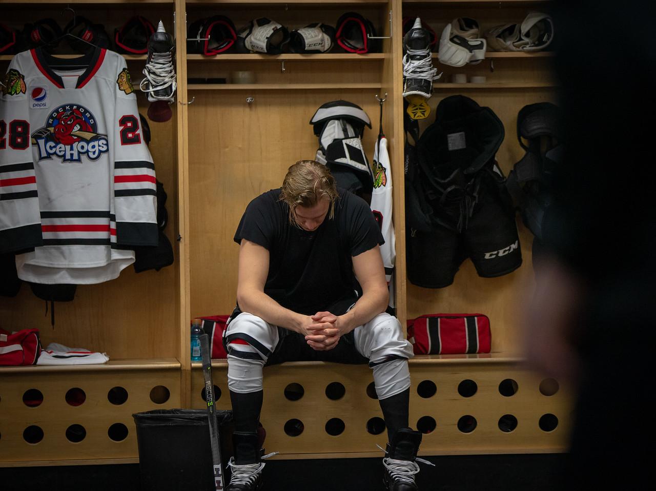 IMAGE: https://photos.smugmug.com/Sports/HockeyPhotos/IceHogs-2018-2019/12-08-18-IceHogs-vs-Wolves/i-sL6HrDn/0/1487e548/X2/CC6Q2855-X2.jpg