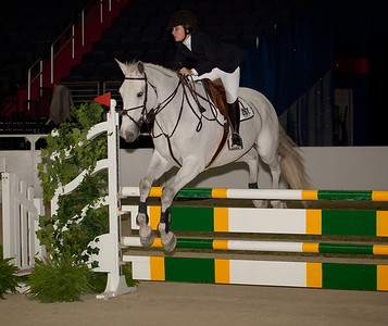 Sima Morgello took 10th place on Charlotte Amalie in the Children's Jumper Championships