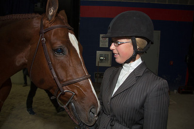 NICOLE LYVERE on WINK $1.000 A/O HANDY HUNTER 3'3 18-35 (10/24/12)