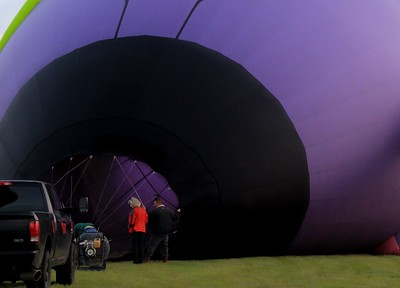 The balloons themselves, called envelopes, can be different sizes. Around 90,000 to 100,000 cu. ft. is a common size.