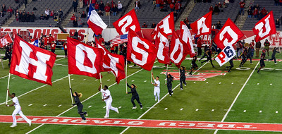 Runing the Houston Cougars flags