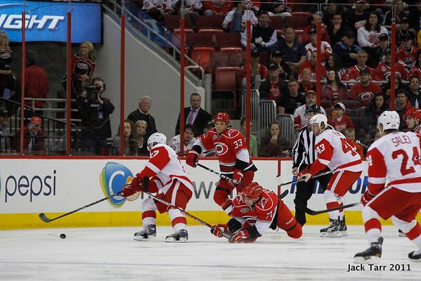 Hurricanes vs Red Wings 4-6-2011