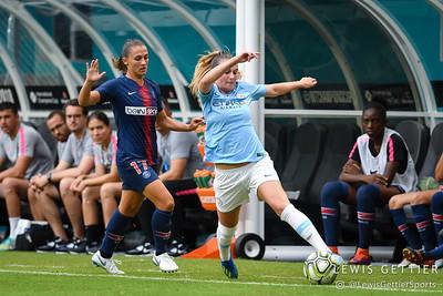 Paris Saint-Germain defender Eve Perisset (17), Manchester City FC midfielder Melissa Lawley (7)