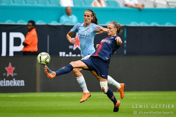 Manchester City FC midfielder Jill Scott (8), Paris Saint-Germain defender Irene Paredes (14)