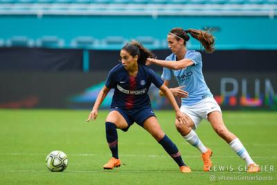 Paris Saint-Germain midfielder Anissa Lahmari (29), Manchester City FC midfielder Jill Scott (8)