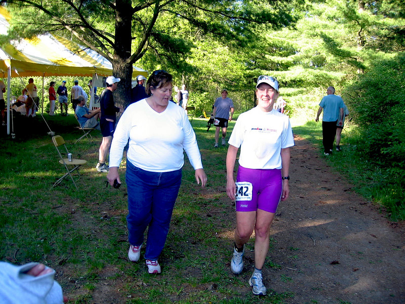 Eileen's sister Jeanne helps her find the end of Eileen's first 50-miler.