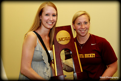 Gopher Womens Hockey Autograph Day