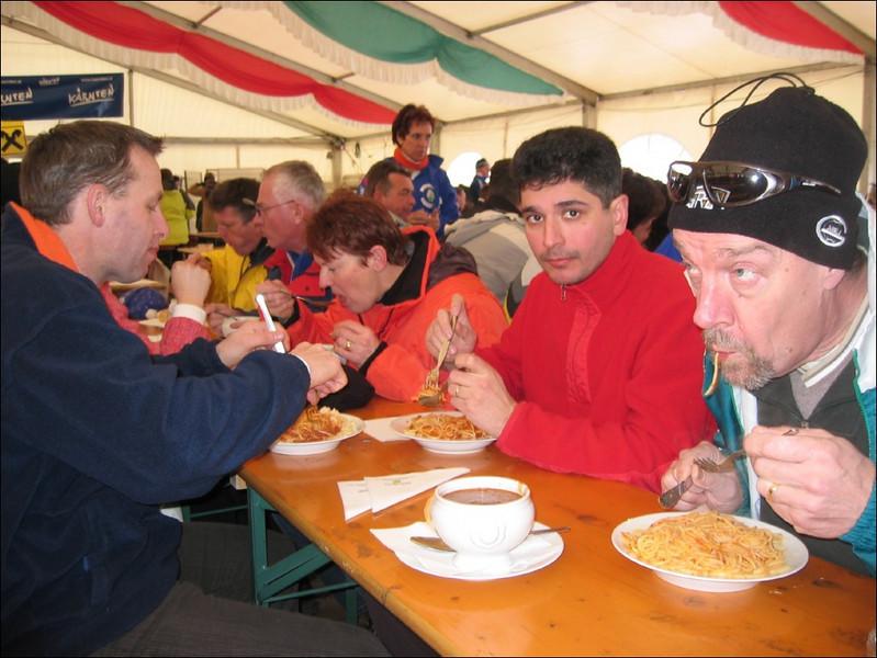 Partytent of the Stichting Winter Marathon (Weissensee)