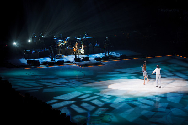 An Evening with Scott Hamilton and Friends 2011<br /> <br /> Melissa Gregory & Denis Petukhov (four-time US Silver Medalist) and the Sheryl Crow Band