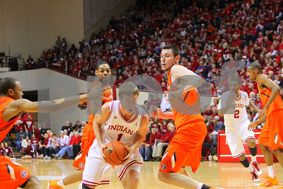 1/27/11- IU guard Jordan Hulls (#1) drives to the basket, as  Illinois defenders attack the ball. IU went on to win, in a upset victory over No. 20 ranked Illinois with a 52-49 outcome.  Photo/Ron Foster Sharif
