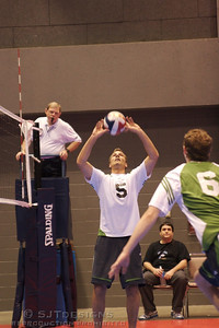 Billy Narath #5 sets for NO CLUE to win the Gold in the Bronze Bracket in Men's BB
