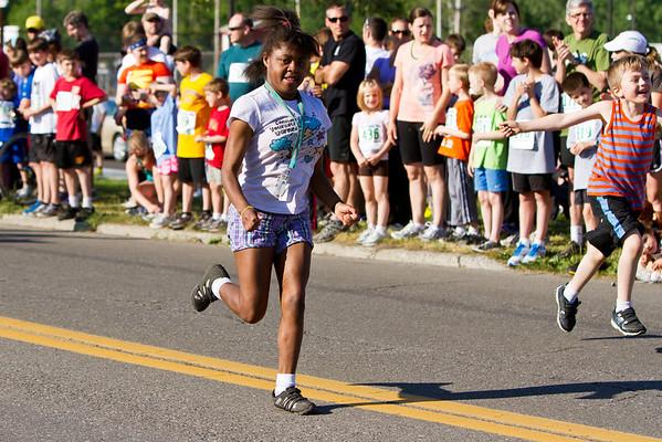 Ithaca Fest Mile Run 2012-8800