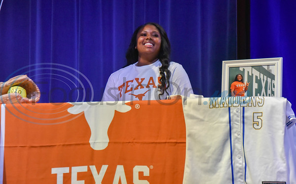 Jacksonville student-athlete Jordyn Whitaker signs her Letter of Intent to attend the University of Texas on softball scholarship on National Signing Day. The event took place at the high school auditorium on Wednesday, February 5. (Jessica T. Payne/Tyler Morning Telegraph)