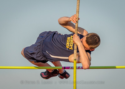 20180405-183643 Jerry Crews Invitational - Pole Vault - Boys