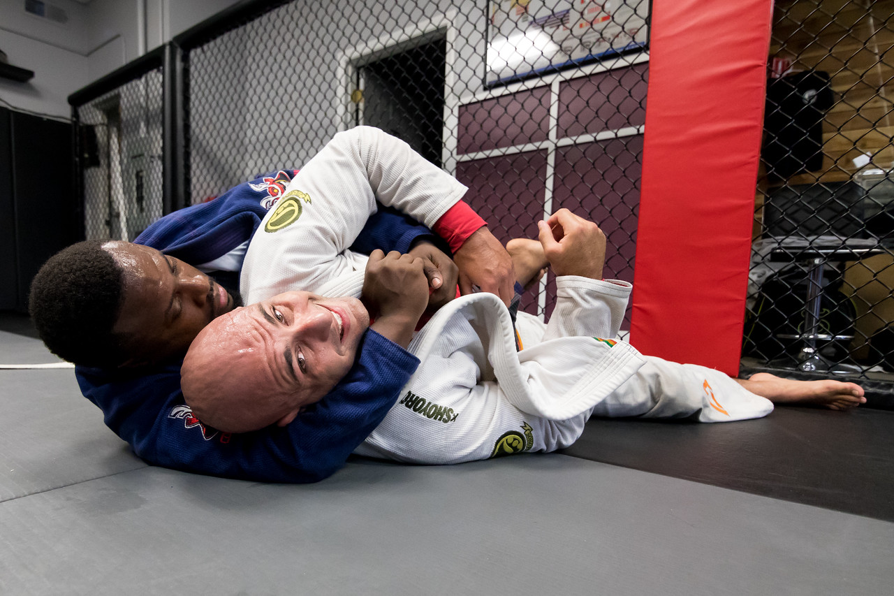 IMAGE: https://photos.smugmug.com/Sports/JiuJitsu/JiuJirsu-and-Boxing-070317/i-dTKzdQJ/0/88bb7c7b/X2/5O0A8075-X2.jpg