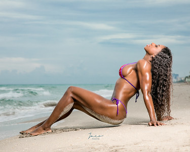 011 Jodi at beach