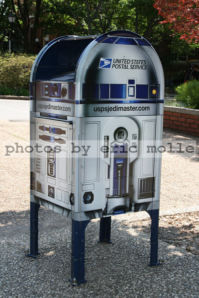 R2-D2 mailbox - USPS celebrating the 30th anniversary of Star Wars