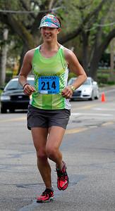 02_1stWoman_Marathon.jpg