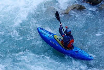 Eddy Mead practicing for the Adidas Sickline whitewater kayak competition 2013.