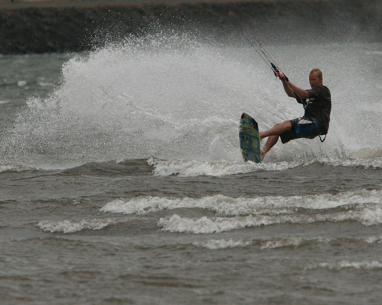 Kitesurfer13