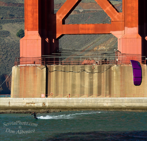 Kiteboarding under the Golden Gate Bridge<br /> <br /> 2010112120101121-IMG_4531